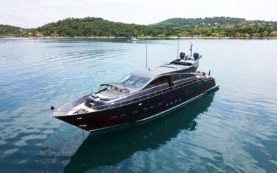 Idée vacances: vivez une expérience unique à bord d'un yacht à Saint-Tropez